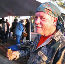Claude van-Order with his 2009 Winning Clovis Entry in Knapping Contest